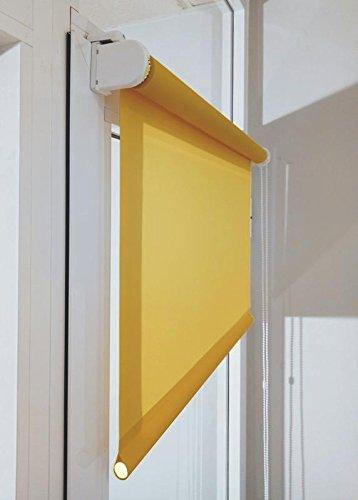Estor enrollable a medida TRANSLÚCIDO PREMIUM con fijación SIN PERFORAR a ventana abatible o puerta (permite paso de luz, no permite ver el exterior/interior). Color amarillo mostaza. Medida 35cm x 220cm para ventanas abatibles y puertas.