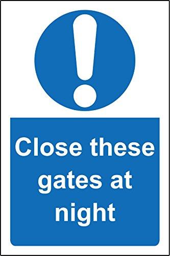 Sluit de poorten 's nachts Veiligheidsbord - 3mm Aluminium composiet 400mm x 300mm