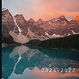 2021 - 2022: 18 Month Calendar | Monthly Photo Calendar | July 2021 - December 2022 | Monthly Calendar with U.S./UK/ Canadian/Christian/Jewish/Muslim Holidays | Mountain Photos