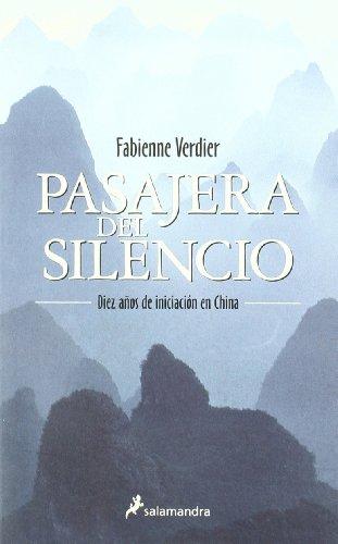 Pasajera del silencio (Ensayo y Pensamiento)