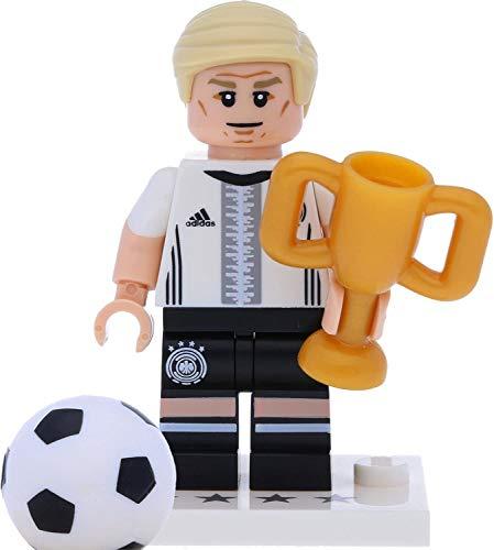 LEGO 71014 Minifigur - DFB - Die Mannschaft: #7 Bastian Schweinsteiger mit Pokal