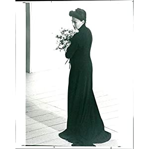 Vintage photo of Order W-Six began its 100th anniversary by laying wreath on graves Ruling Grand Master. The founder of Stockholm Lodge hailed FA Bergqvist.