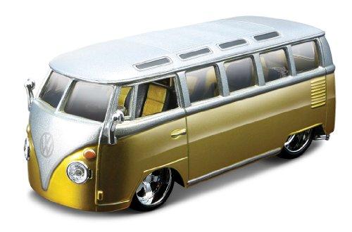 Bburago 42004 - Figura de furgoneta Volkswagen 'Samba' a escala 1:32 (varios colores) , color/modelo surtido