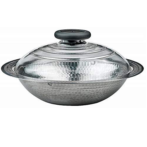「HARIO」の鎚目がとても美しいスタイリッシュなステンレス鍋。浅型でしゃぶしゃぶに適しており、また耐熱ガラス蓋も付いていますので、さまざまな鍋物にもおすすめ。中が見やすく便利です。直火のほか、IHにも対応。