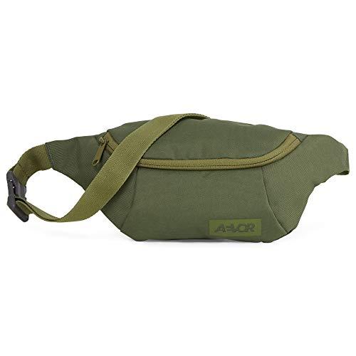 AEVOR Hip Bag - Smartphone Schnellzugriff, 2 Wege Zipper, wasserabweisend, Mesh-Innentasche, größenverstellbarer Gurt - Pine Green - Olive