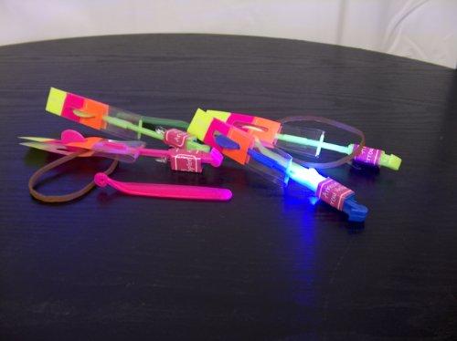 12 Stück - LED Katapult - 16 cm lang, Leucht-Abzieher, Flitsche, Flieger