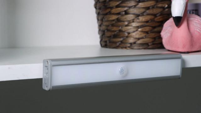 Fansteck Schrankbeleuchtung mit Bewegungsmelder 3er Pack, 60 LED Schranklicht mit 6 Magnetstreifen, Dimmbare…