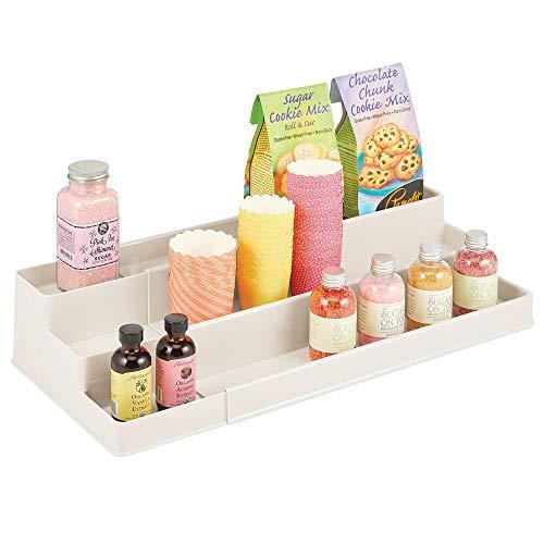 mDesign Especiero para Armario de Cocina o encimera – Estante Extensible para almacenar condimentos y ordenar la Cocina – Organizador de Especias en plástico con Tres Niveles – Crema