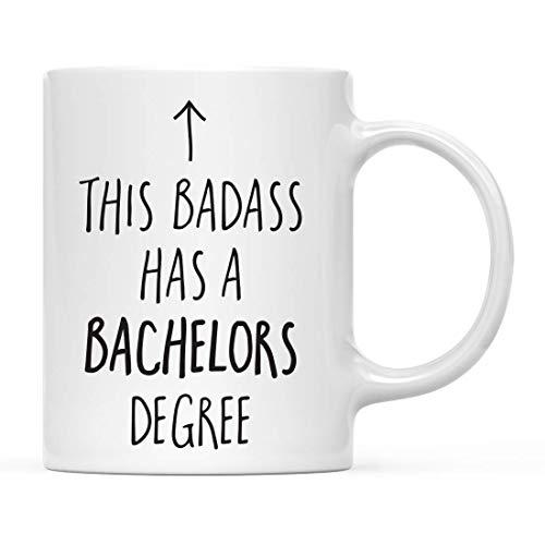 Rael Esthe Abschlusskaffeetasse Geschenk, Dieser Badass hat einen Bachelor-Abschluss, Pfeilgrafik, 1er-Pack, inklusive Geschenkbox, Tassen für Absolventen Schüler der Klasse 2020, Abschlussdiplom