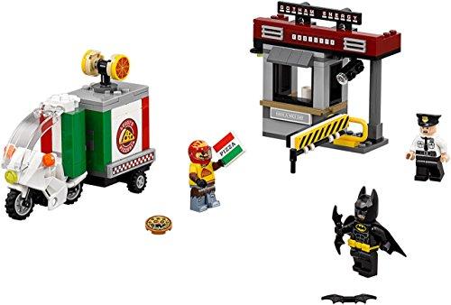 LEGO Batman Scarecrow Spezial-Lieferfahrzeug und Gebäude