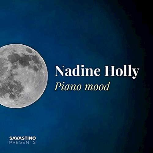 Nadine Holly