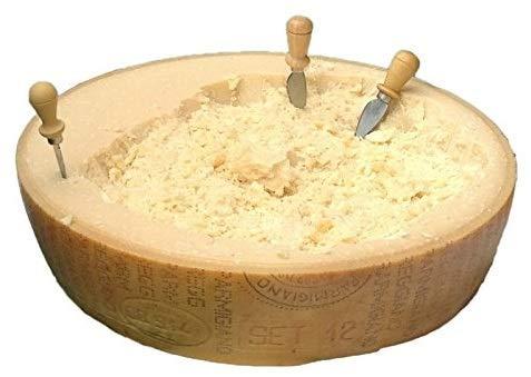 """Parmigiano Reggiano DOP, de la colina """"Saliceto"""", media entera 18 Kg, envejecido 24 meses, + cuchillo profesional"""