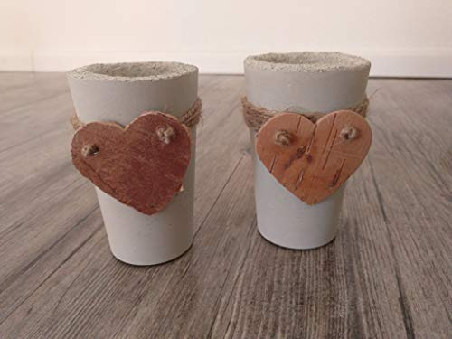 Teelichthalter mit Herzverzierung als Betondeko