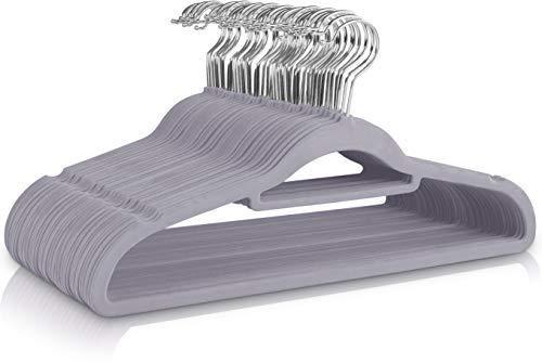 Utopia Home - 50 Paquete Perchas de Terciopelo - Perchas para Trajes de Terciopelo con Tie Bar - Antideslizantes (Gris)