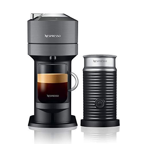 Nespresso, Nueva Cafetera Vertuo Next, con Espumador de leche, Color Dark Grey (Incluye obsequio de 12 cápsulas de café)