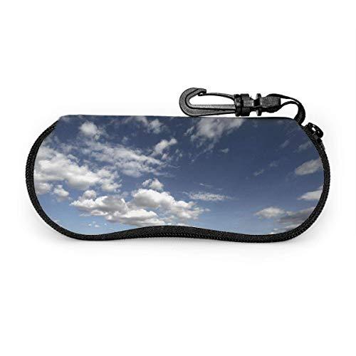 Un montón de gafas de sol Cloud Sky con hebilla de bloqueo Bolsa suave Funda de gafas con cremallera de tela de buceo ultraligera