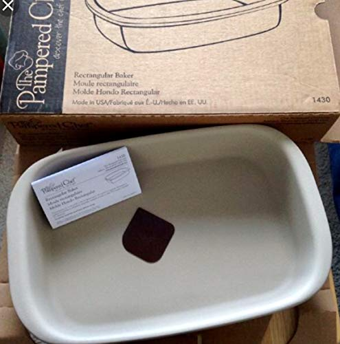 HARD TO FIND. PAMPERED CHEF. 1430 Rectangular Baker. STONEWARE BAKER NEW IN BOX