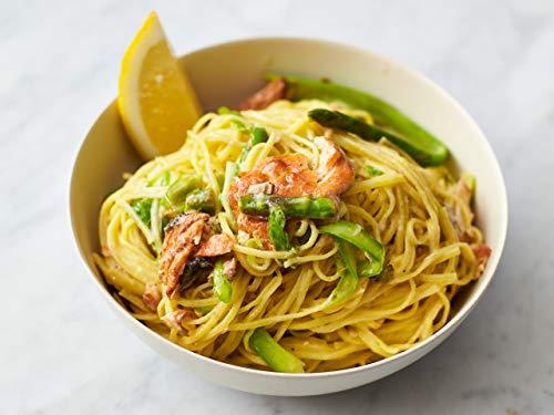 Geräucherter Lachs mit Pasta und scharf gewürzter Blumenkohl