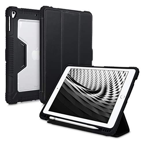 kwmobile Hülle kompatibel mit Apple iPad 9.7 (2017/2018) - Auto Sleep/Wake Funktion - Tablet Smart Cover in Schwarz Transparent