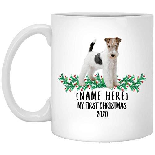 Divertido nombre personalizado Wire Hair Fox Terrier White Fawn Blue First Christmas 2020 Taza de café blanco 11 oz