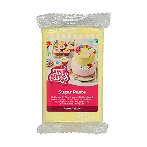 FunCakes Pasta di Zucchero Pastel Yellow: facile da usare, liscia, flessibile, morbida e pieghevole, perfetta per decorare torte, halal, kosher e senza glutine. 250 gr