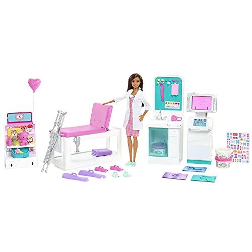 Barbie Doctora con Clínica médica, muñeca con accesorios de medicina de juguete. Incluye juego de escayolas de plastilina (Mattel HFT68)