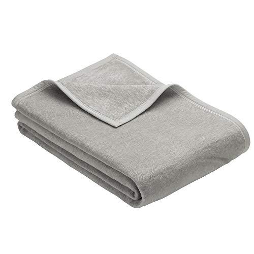 Ibena Porto Kuscheldecke 150x200 cm - Wolldecke hellgrau einfarbig, pflegeleichte Baumwollmischung, kuschelig weich und angenehm warm