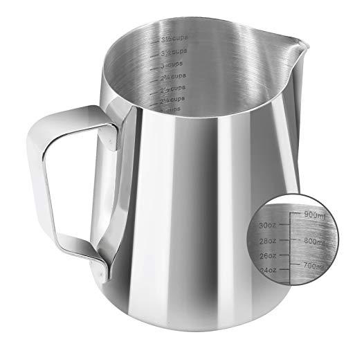 YYP Jarra de leche [3 básculas de medición, incluyendo taza, ML, escala OZ] – Jarra de espuma de acero inoxidable 304 para espumador de café Latte Art Maker (900 ml (30 onzas líquidas/3,75 tazas)