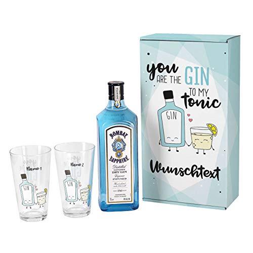 Herz & Heim® Gin Geschenkset - You are the Gin to my Tonic - mit 1 l Bombay Sapphire und 2 bedruckten Longdrinkgläsern und schöner Verpackung mit Wunschnamen und Wunschtext