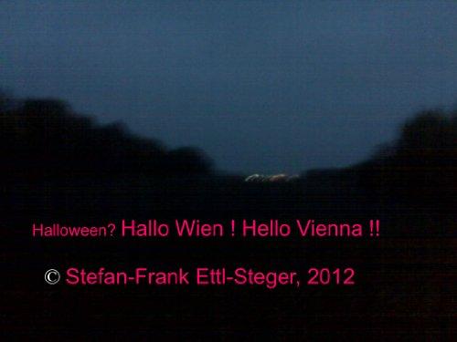 Halloween? Hallo Wien! Hello Vienna!! (Deutsch + English) (almanaco 1) (German Edition)