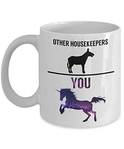 Taza para ama de llaves con diseño de unicornio y texto 'Housekeepers Other Housekeepers VS You Galaxy