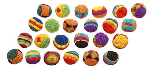 Sport-Thieme Kickbälle, Footbags, Jonglierbälle | 24 Kick-Bälle im Set | Gestricktes Obermaterial aus Baumwolle, Granulatfüllung | Ø 5 cm | 50 g | 12 Designs im Rasta-Look