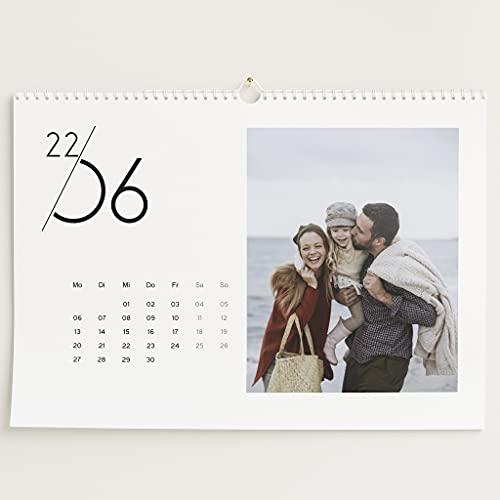 sendmoments Fotokalender 2022, Jahreskalender, Wandkalender mit persönlichen Bildern, Kalender für Digitale Fotos, Spiralbindung, DIN A3 Querformat, optional mit Veredelung