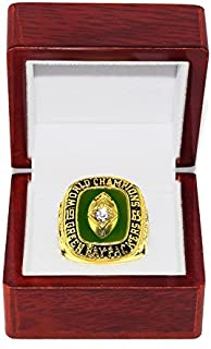 GREEN BAY PACKERS (Bart Starr) 1965 SUPER BOWL WORLD CHAMPIONS (Playing Vs. Cleveland) Vintage Rare & Collectible High-Quality Replica NFL Football Gold Championship Ring with Cherrywood Display Box