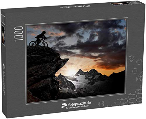 Puzzle 1000 Teile Silhouette eines Bikers in den Schweizer Alpen - Klassische Puzzle, 1000/200/2000 Teile, in edler Motiv-Schachtel, Fotopuzzle-Kollektion 'Sport'