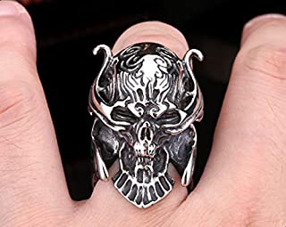 Ring shaped skull frightening Size 10