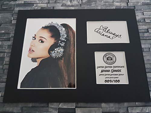 Havoc Autogramm von Ariana Grande, im Passepartout, bereit zum Aufhängen