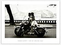 ポスター フランク ホーヴァット Couple on Harley Rio de Janeiro 1963 額装品 アルミ製ハイグレードフレーム(ホワイト)