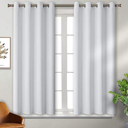 BGment Verdunklungsvorhänge mit Ösen für Schlafzimmer Blickdichte Vorhänge Energiespar & Wärmeisolierend Thermo Gardinen für Wohnzimmer, Grau-weiß, 137 x 117 cm (H x B), 2 Stück