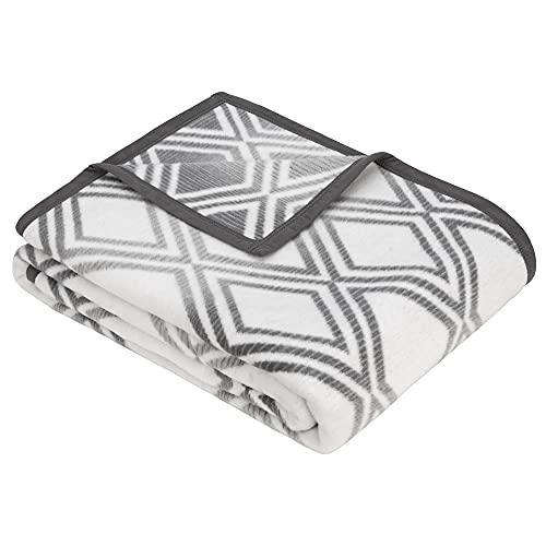 BUGATTI Decke 150x200 cm - Kuscheldecke mit Rautenmuster grau, Leicht zu pflegene & kuschelweiche Baumwollmischung