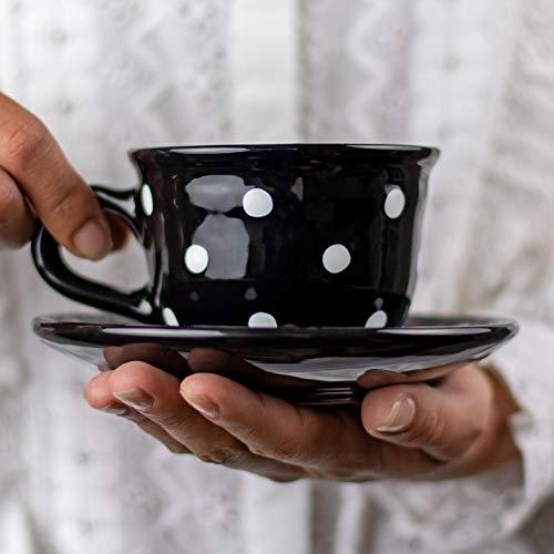 City to Cottage® Blanco y Negro | Diseño Lunares | Hecho a Mano por Diseñadores | Cerámica Única de 9oz/250ml | Taza de Café Capuchino con Plato | Regalo