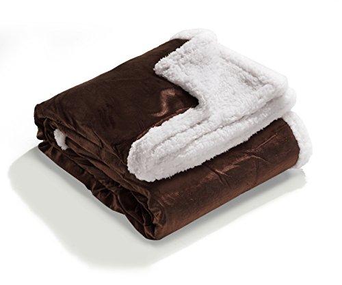 Heimtexland Typ276 - Morbida coperta in peluche effetto alcantara, con pelliccia di agnello, non fa peli, XL 150x200 cm, 100% poliestere, cioccolato, HxB 200x150 cm