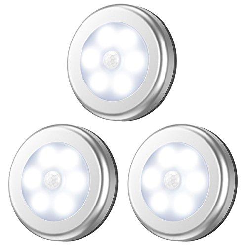 AMIR Luce LED Sensore Movimento, 3 Pezzi 6 LED Luce Notturna LED con Tamponi Adesivi e Magnete, Luce LED Armadio per Camera, Corridoio, Scala, Bagni, Officina, Mansarda, Eccetera (Bianco)