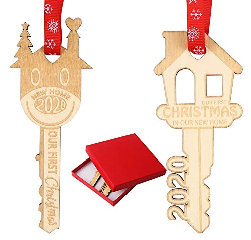 DERAYEE 2 Pack 2020 Christmas Ornament Our First Christmas in Our New Home, Wooden Key Shape Housewarming Gift Xmas Tree Hanging Decoration
