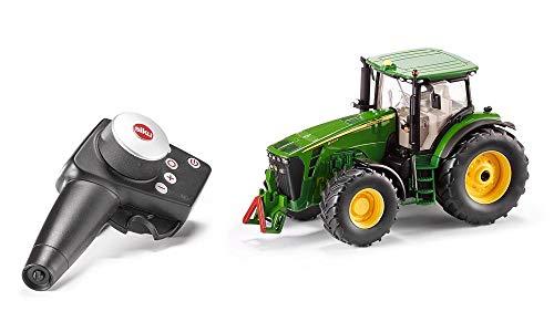 siku 6881, Ferngesteuerter John Deere 8345R Traktor, 1:32, Inkl. Fernsteuermodul, Metall/Kunststoff, Grün, Batteriebetrieben, Kompatibel mit Anbaugeräten