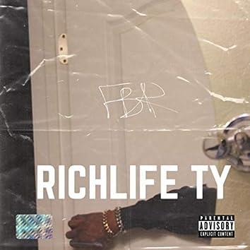 Rich Love Life