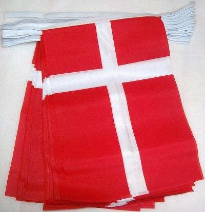 AZ FLAG FAHNENKETTE DÄNEMARK 6 Meter mit 20 flaggen 21x14cm - DÄNISCHE Girlande Flaggenkette 14 x 21 cm