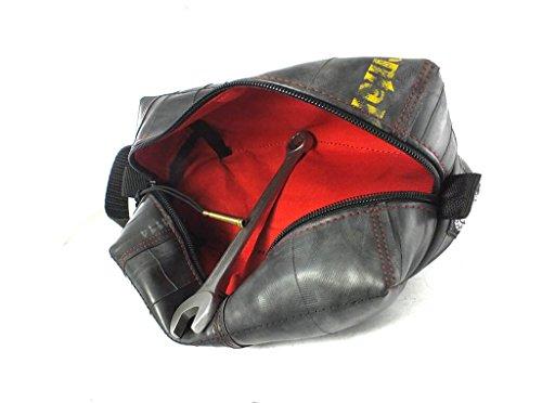 KULTURBEUTEL VEGAN in Vielen Farben | Kosmetiktasche | Hängende Tasche | aus Umweltfreundlichem Recyceltem Fahrradschlauch | Extra Weich (Rot/Red, Groß/Large)