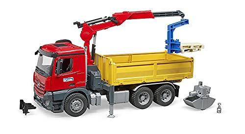 Bruder 03651 - Merdedes-Benz Arocs Baustellen-LKW mit Kran, Schaufelgreifer, Palettengabeln und 2 Paletten