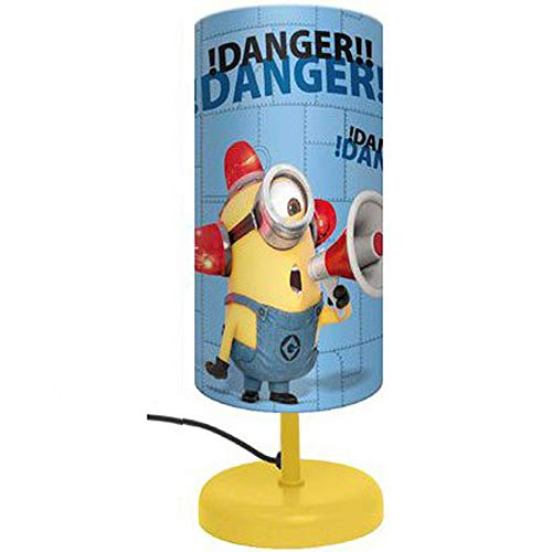 Lampada notturna per bambini anti panico con doppia stampa Minions. I materiali sono di qualità e sicuri essendo un prodotto Universal Studios certificata RoHS.
